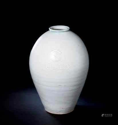 北宋湖田窑青白釉梅瓶