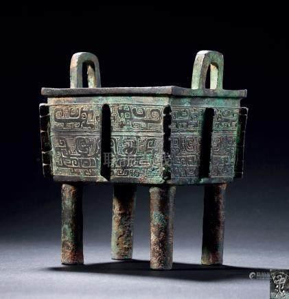 商晚期青铜兽面纹方鼎