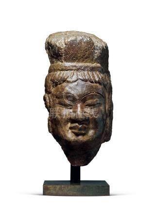 北齐菩萨头像(龙门石窟)