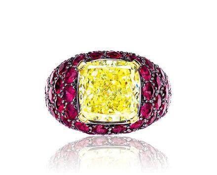 格拉夫設計 6.40克拉天然彩黃色鑽石配紅寶石戒指