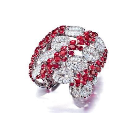 共重約73.92克拉緬甸紅寶石及鑽石手鐲,未經加熱