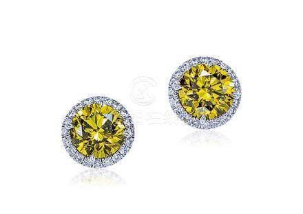 1.02及1.02克拉深彩棕綠黃色鑽石配鑽石耳環