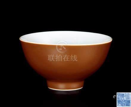 清乾隆紫金釉碗