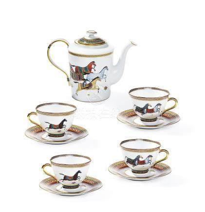 CHEVAL D'ORIENT系列瓷质茶具一组九件