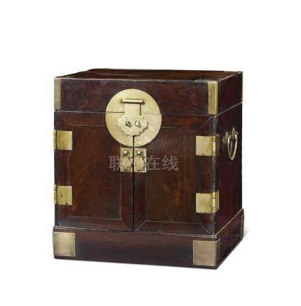 黃花梨官皮箱(清早期)