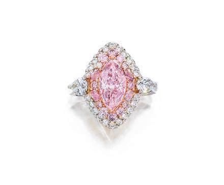 約1.40克拉天然淡粉紅色鑽石配粉紅色鑽石及鑽石戒指