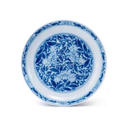 青花纏枝茶花紋盤(清雍正)