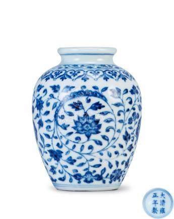 青花纏枝花卉紋小罐(清雍正)