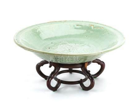 A Chinese longquan celadon glaze bowl