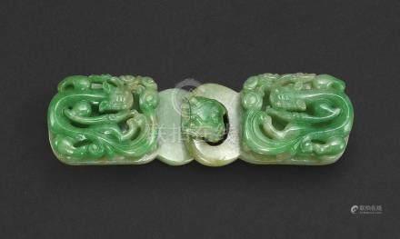 清    翠玉浮雕螭龍紋帶鉤