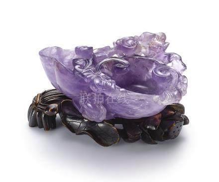 清乾隆   紫晶雕螭龍靈芝式洗 配 染色象牙座