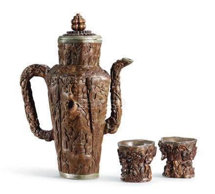 明    沉香木雕小盃、茶壺一組三件