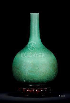 清康熙 朗窯綠釉大膽瓶