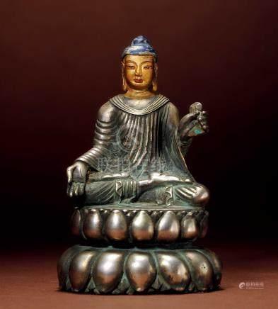 十七世紀 西藏 銀釋迦牟尼  (喀什米爾造型)