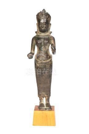 Sculpture en bronze à patine noire de style Angkor Vat