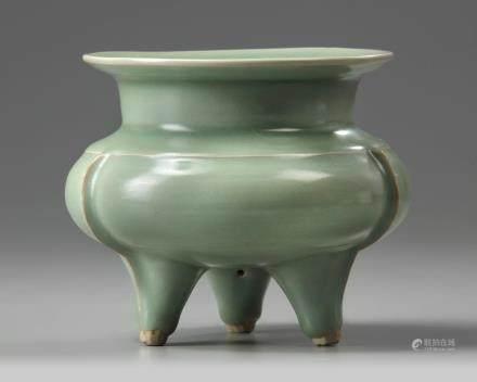 A Longquan-style celadon glazed tripod censer
