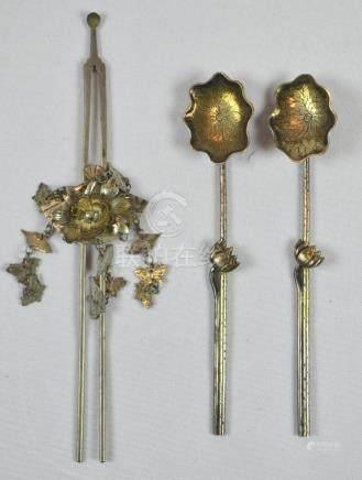Tres piezas: pincho japonés usado en el pelo de las damas; e