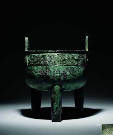 商  青銅餮饕紋大鼎