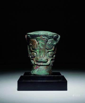 商  青銅餮饕紋蚩龍車馬器