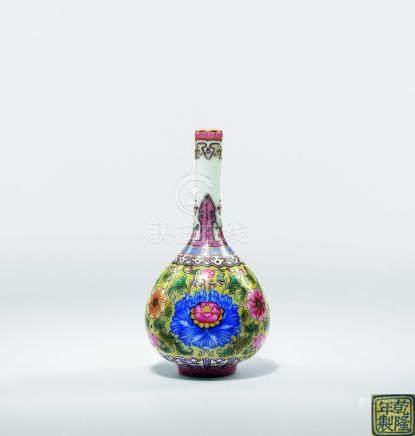 清  粉彩寶相花紋小膽瓶