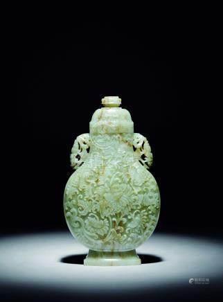 清  白玉西番蓮紋蓋瓶