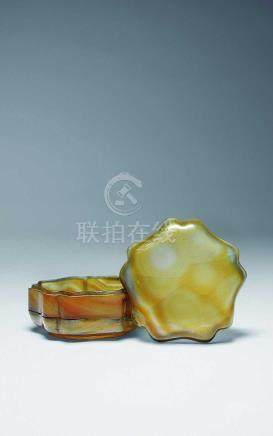 宋-元  瑪瑙花形雙層盒