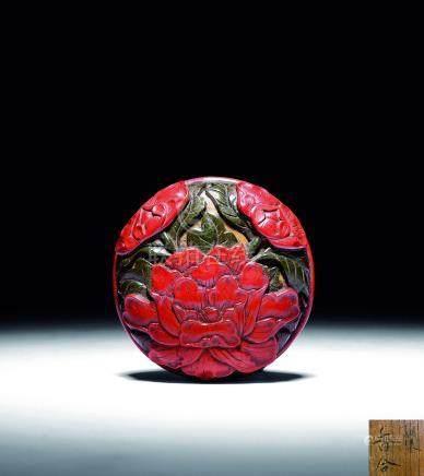 明  剔彩紅花綠葉牡丹紋香盒
