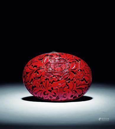 明  剔紅花石蛋形大香盒