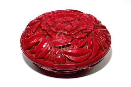 明  剔紅牡丹獅子紋兩面香盒