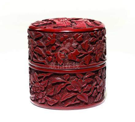 明  剔彩松下高仕紋茶盒