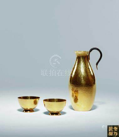 純金酒器一套 酒壺一件,酒杯兩件