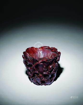 清  犀角雕玉蘭花杯