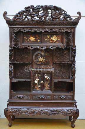 Japanese cabinet with inlaywork, Meiji period (*)