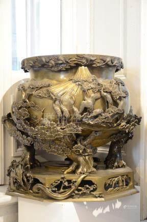 Monumental Japanese incense burner 'cranes' (*)