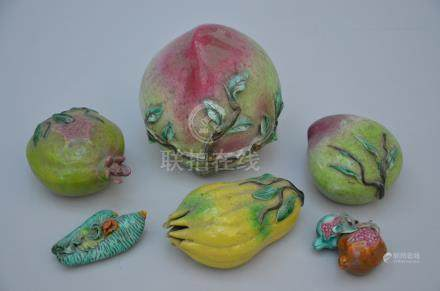 Series of Chinese porcelain fruits (*)