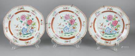 Three times 18th century Chinese porcelain Family Rose