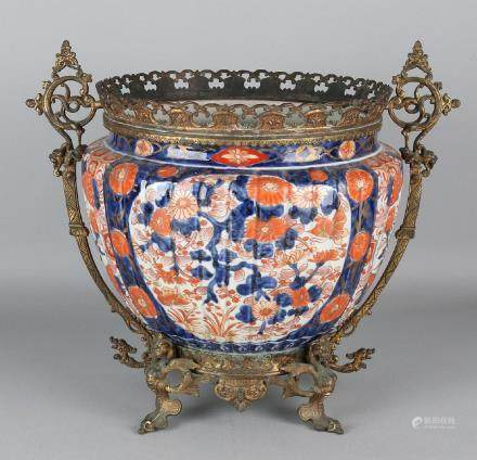 19th Century Imari porcelain flower pot with gilded