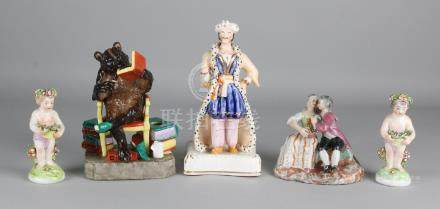 Five times old / antique porcelain. Among others: