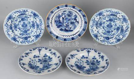 Five times 18th century Delft Blue Fayence plates with