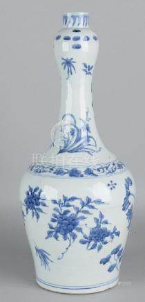 Old Chinese porcelain knobbase with blue floral decors.