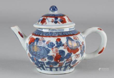 18th Century Chinese Imari porcelain traveling pot with
