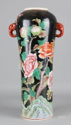 Large old Chinese Family Noir vase. With birds and