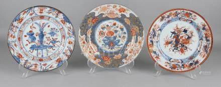 Three times 18th century Chinese porcelain Imari plates
