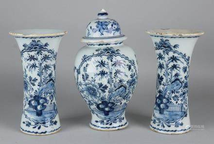 18th Century Dutch Delft cabinet with chinoisserie