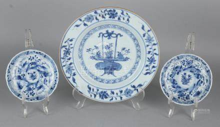 Three times 18th century Chinese porcelain. Consisting