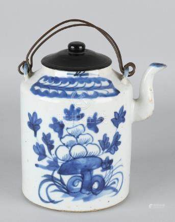 Old / antique large Chinese porcelain draw pot with