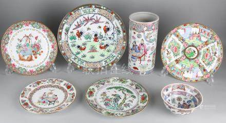 Seven times old Chinese Cantonese porcelain. 20th