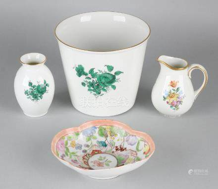Four times old / antique porcelain. Wien etc.