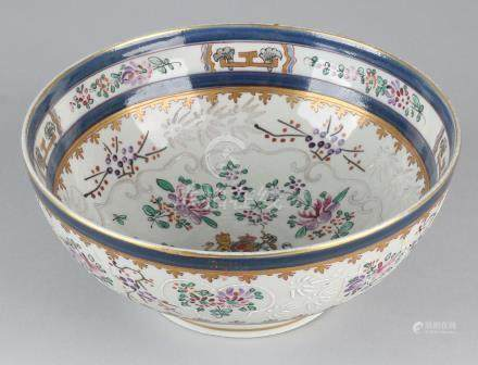 Large 19th century Chinese porcelain bowl with French
