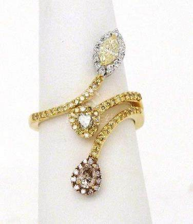 18K GOLD & 1.10 CTS FANCY DIAMONDS LADIES BAND RING